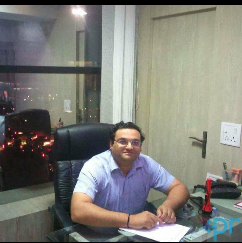 Dr Akhil shah