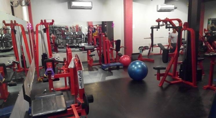 Fitness Warehouse A Unisex Gym